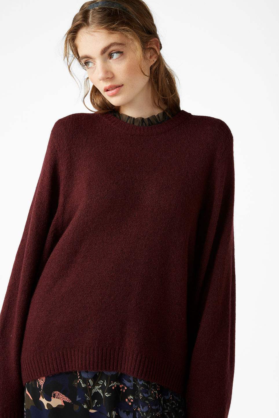 Model front image of Monki batwing sweater in pink