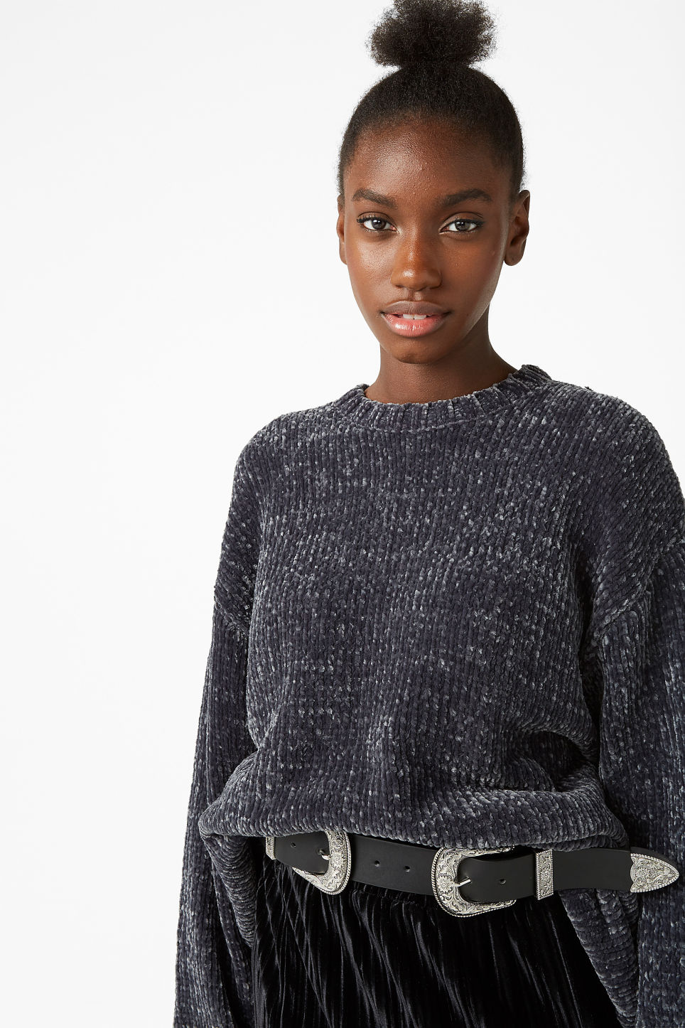 Model front image of Monki velvety knit sweater in grey