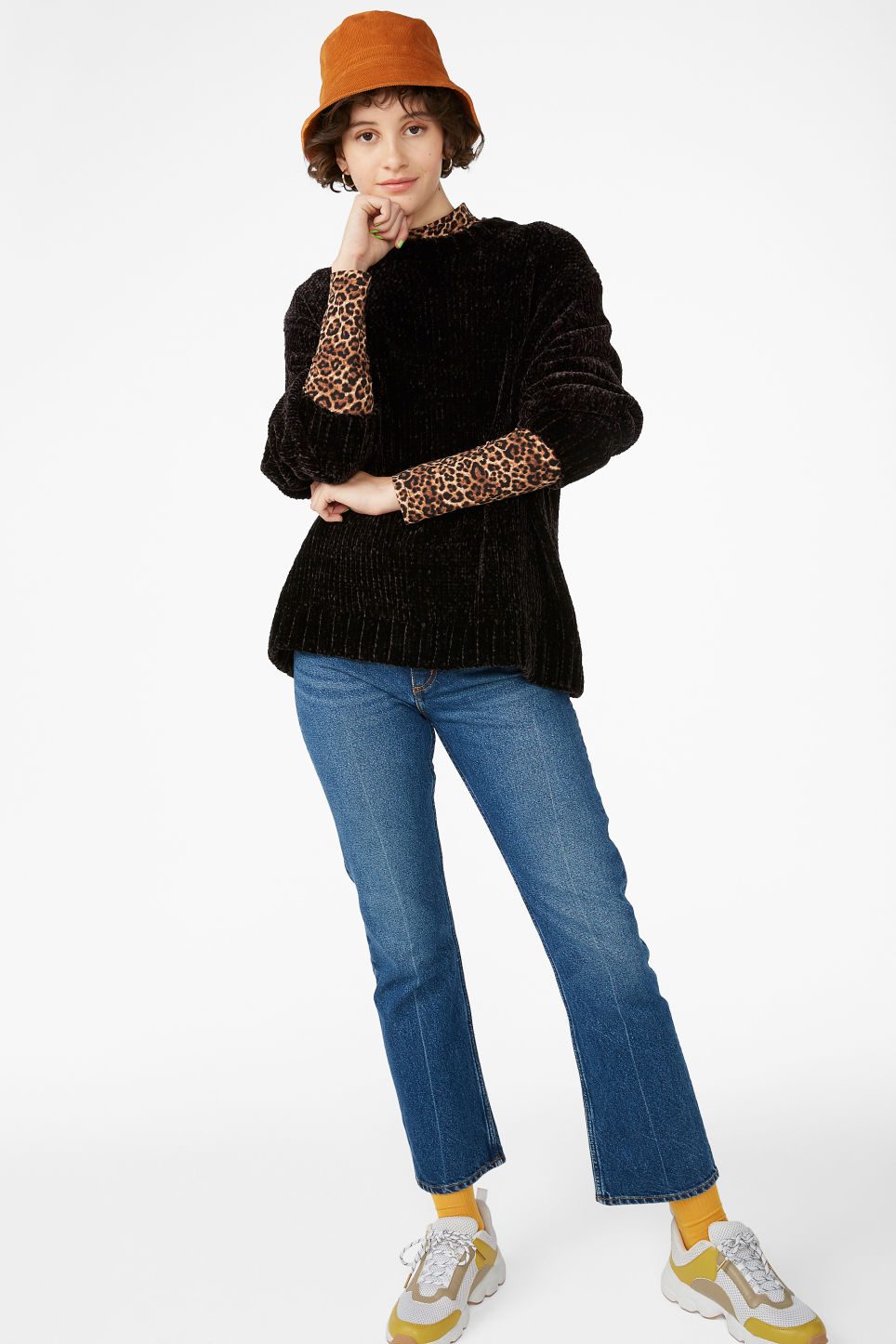 Model front image of Monki velvety knit sweater in black