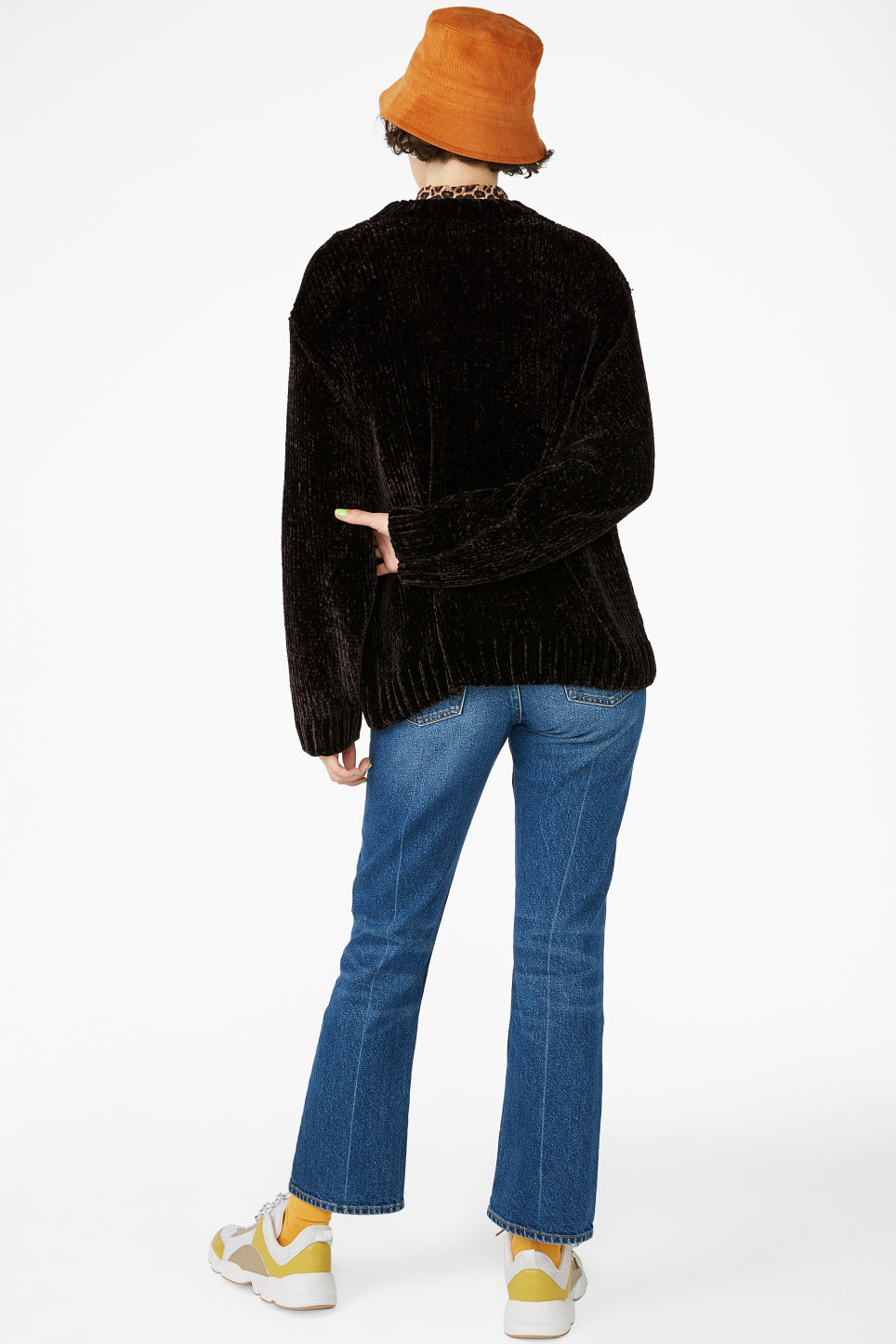 Model back image of Monki velvety knit sweater in black