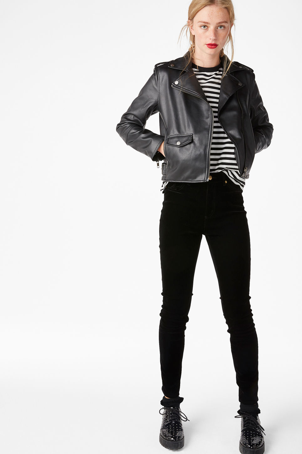 Model front image of Monki cord jeans in black