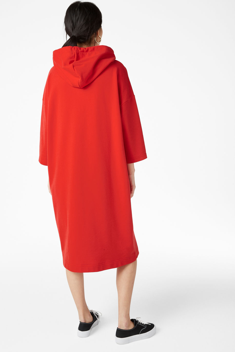 Model back image of Monki oversize hoodie dress in red