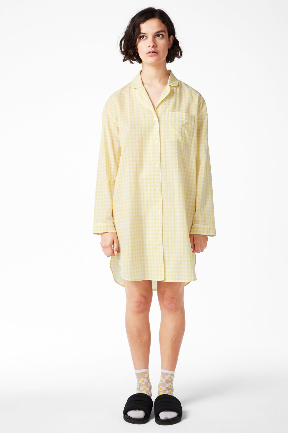 Model front image of Monki checkered sleepshirt in yellow