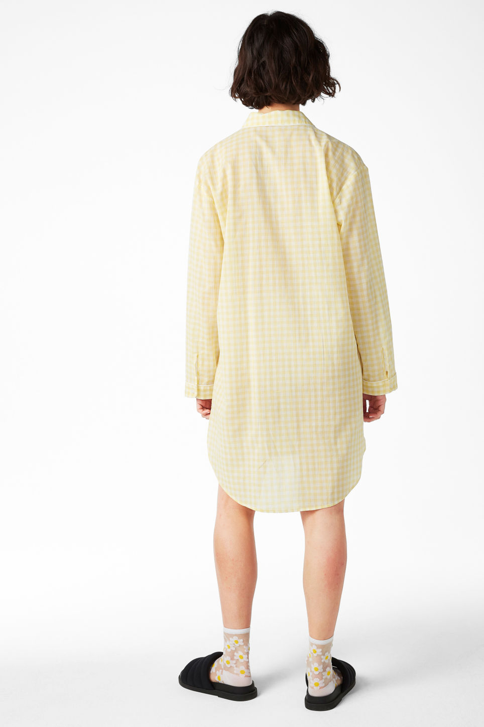 Model back image of Monki checkered sleepshirt in yellow