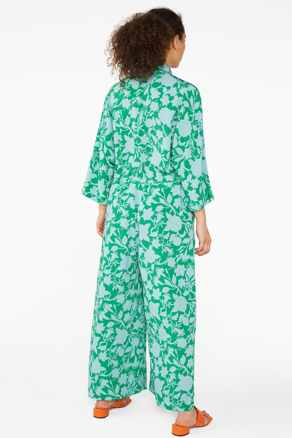 Model back image of Monki wide fitting jumpsuit  in green