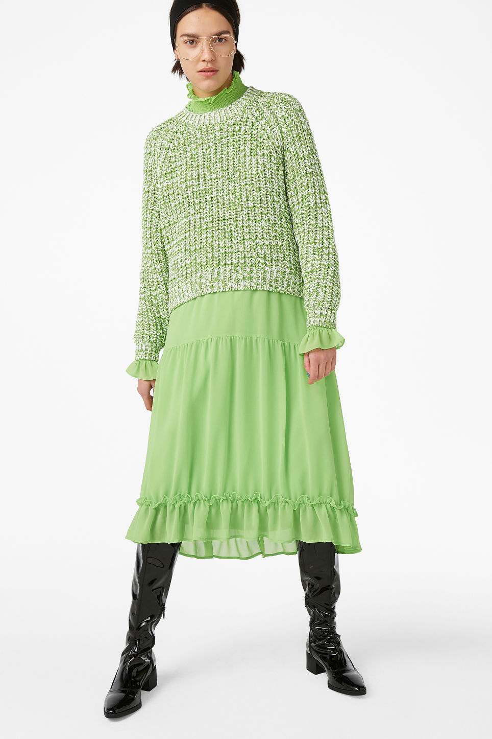 Model front image of Monki knitted sweater in green