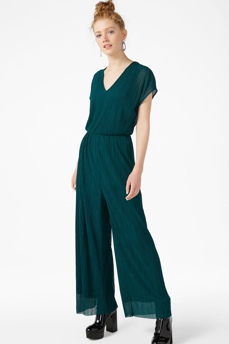Model front image of Monki pleated jumpsuit in turquoise
