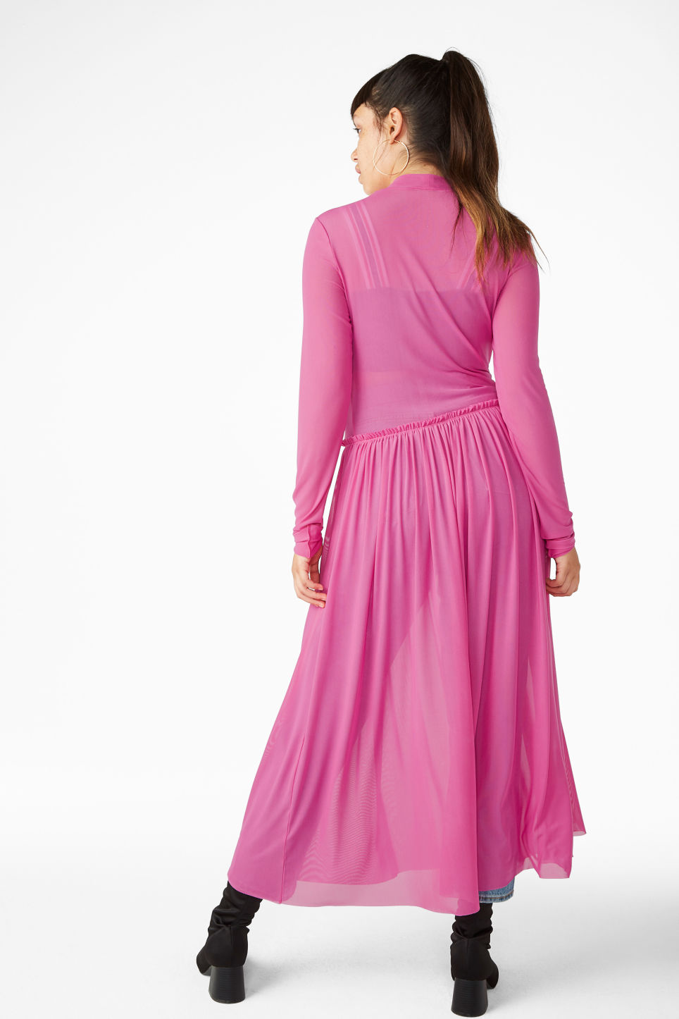Model back image of Monki long dress with gathered waist in pink
