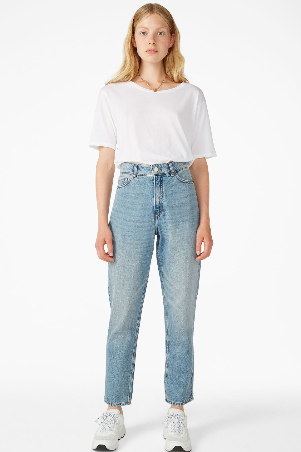 Model front image of Monki taiki blue x-long jeans in blue