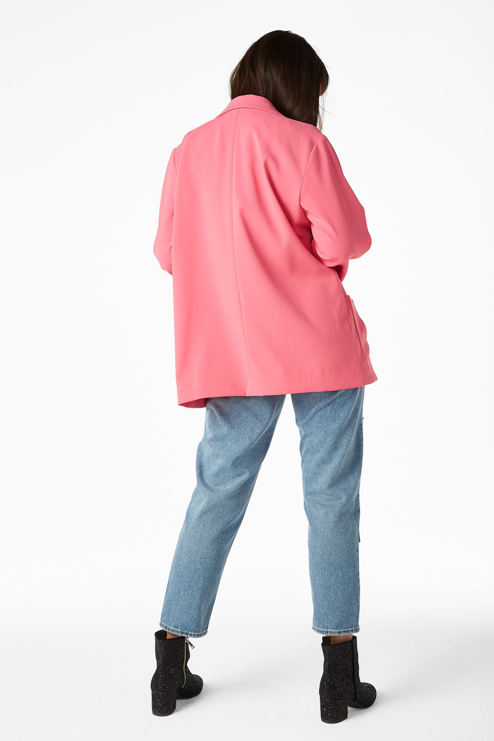 Model back image of Monki long blazer in pink