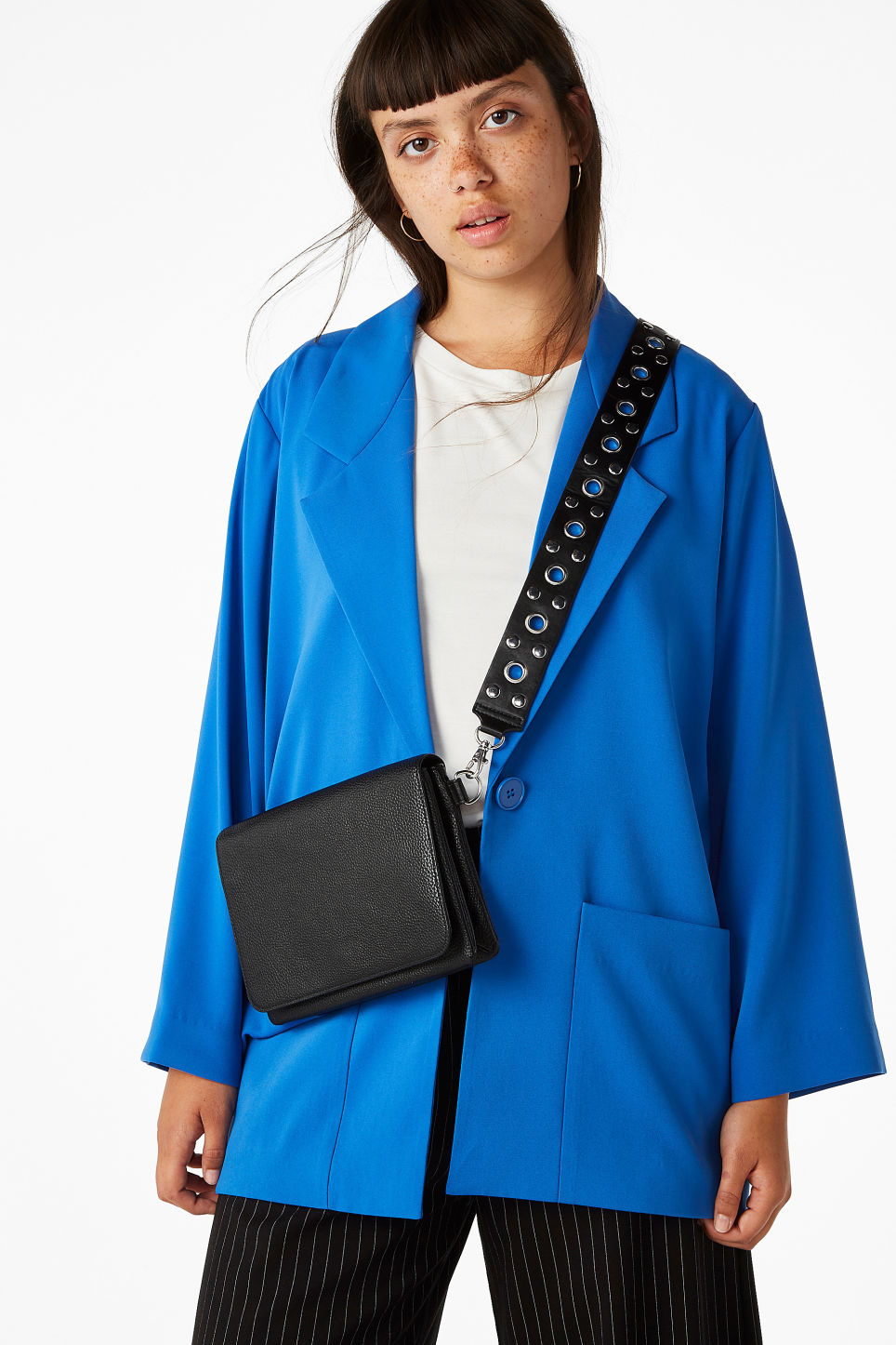 Model front image of Monki long blazer in blue