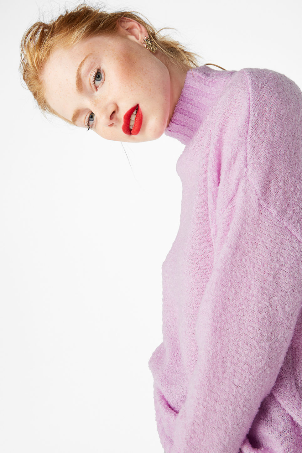 Model front image of Monki cosy knitted sweater in purple