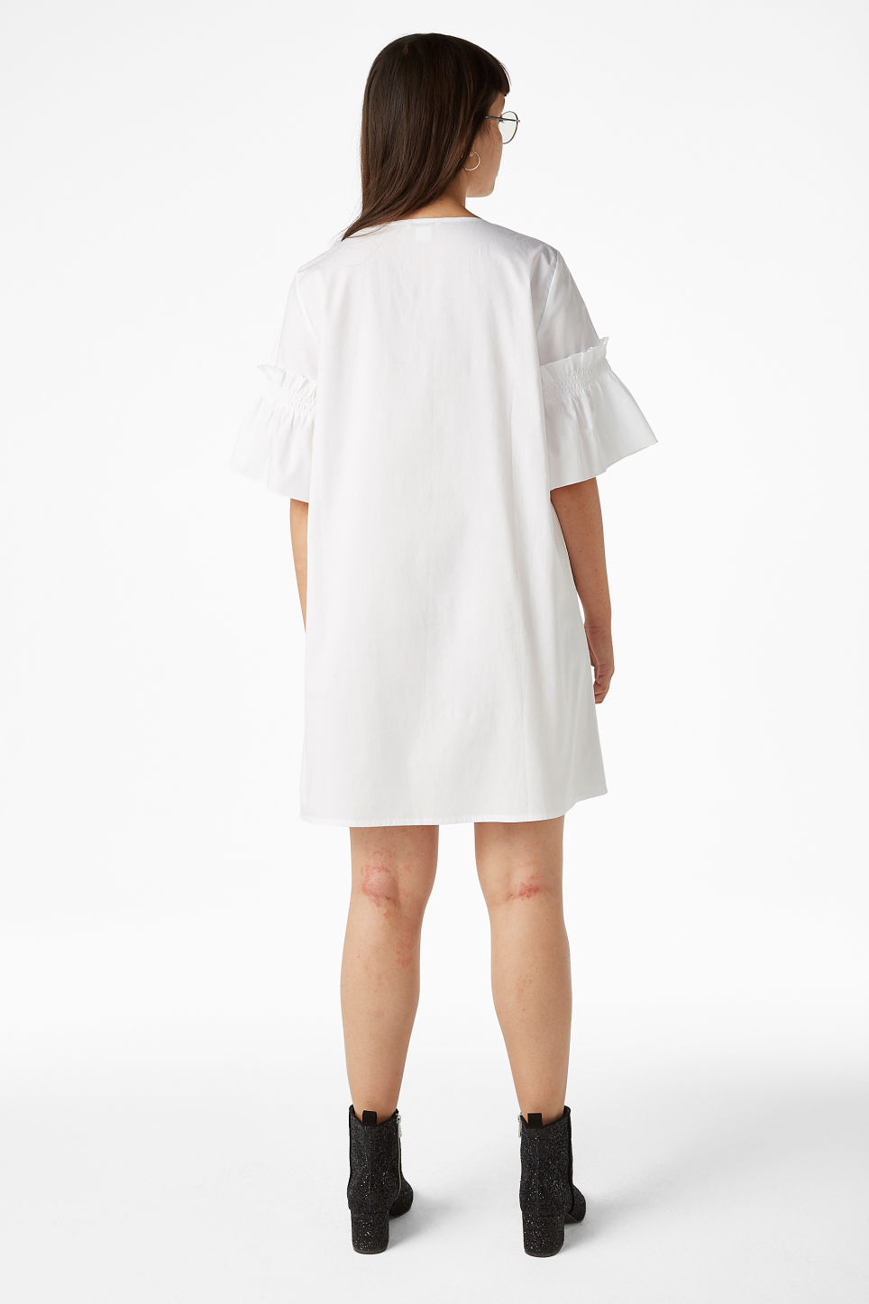 Model back image of Monki ruffled sleeve dress in white