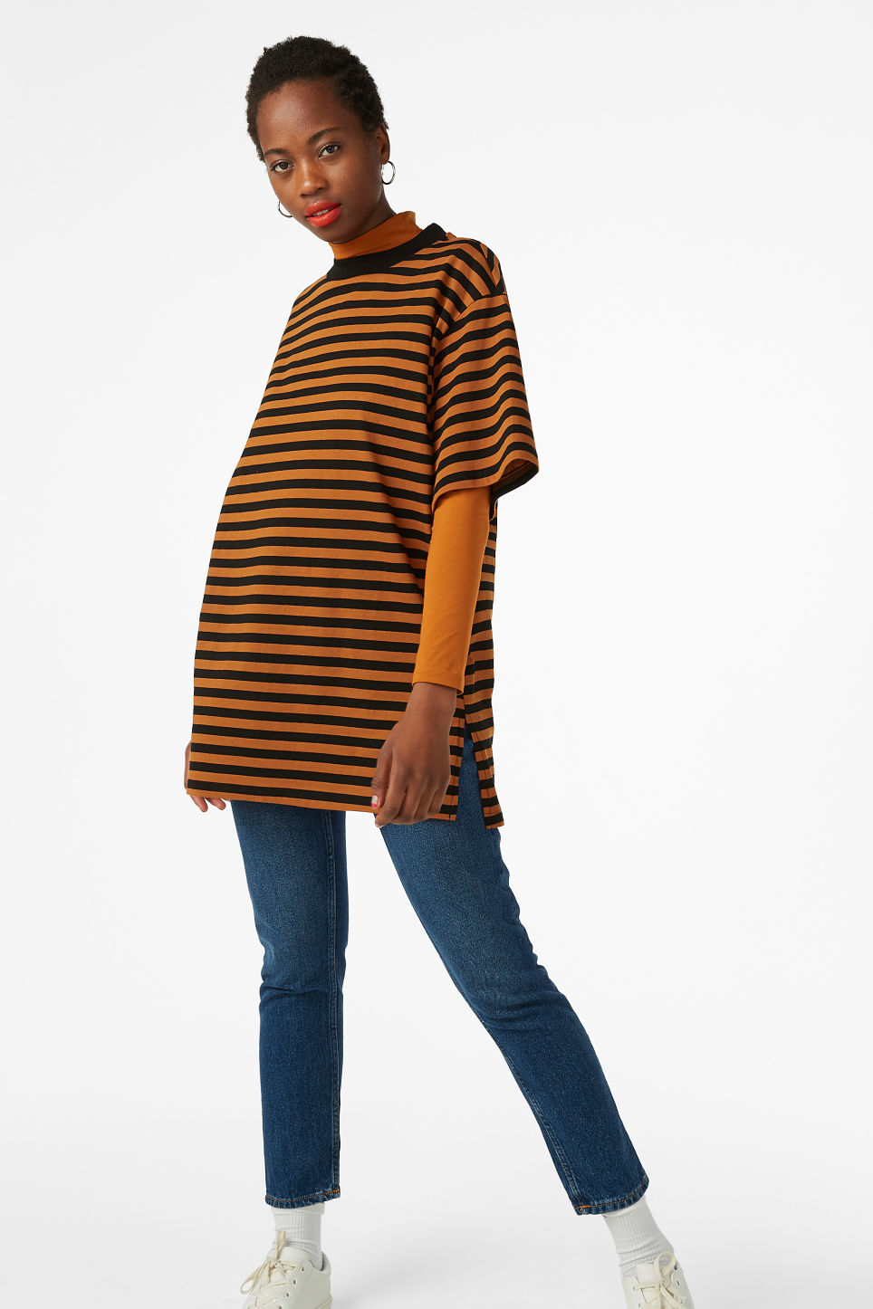 Model front image of Monki oversized cotton tee in orange