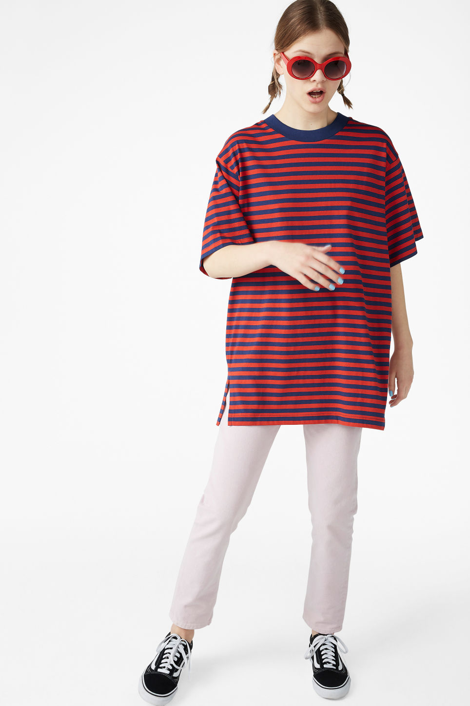 Model side image of Monki oversized cotton tee in red