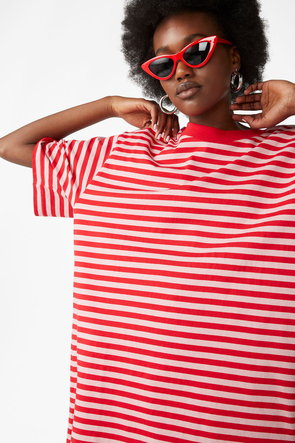 Model front image of Monki oversized cotton tee in red