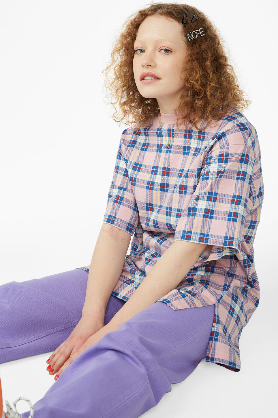 Model front image of Monki oversized cotton tee in pink