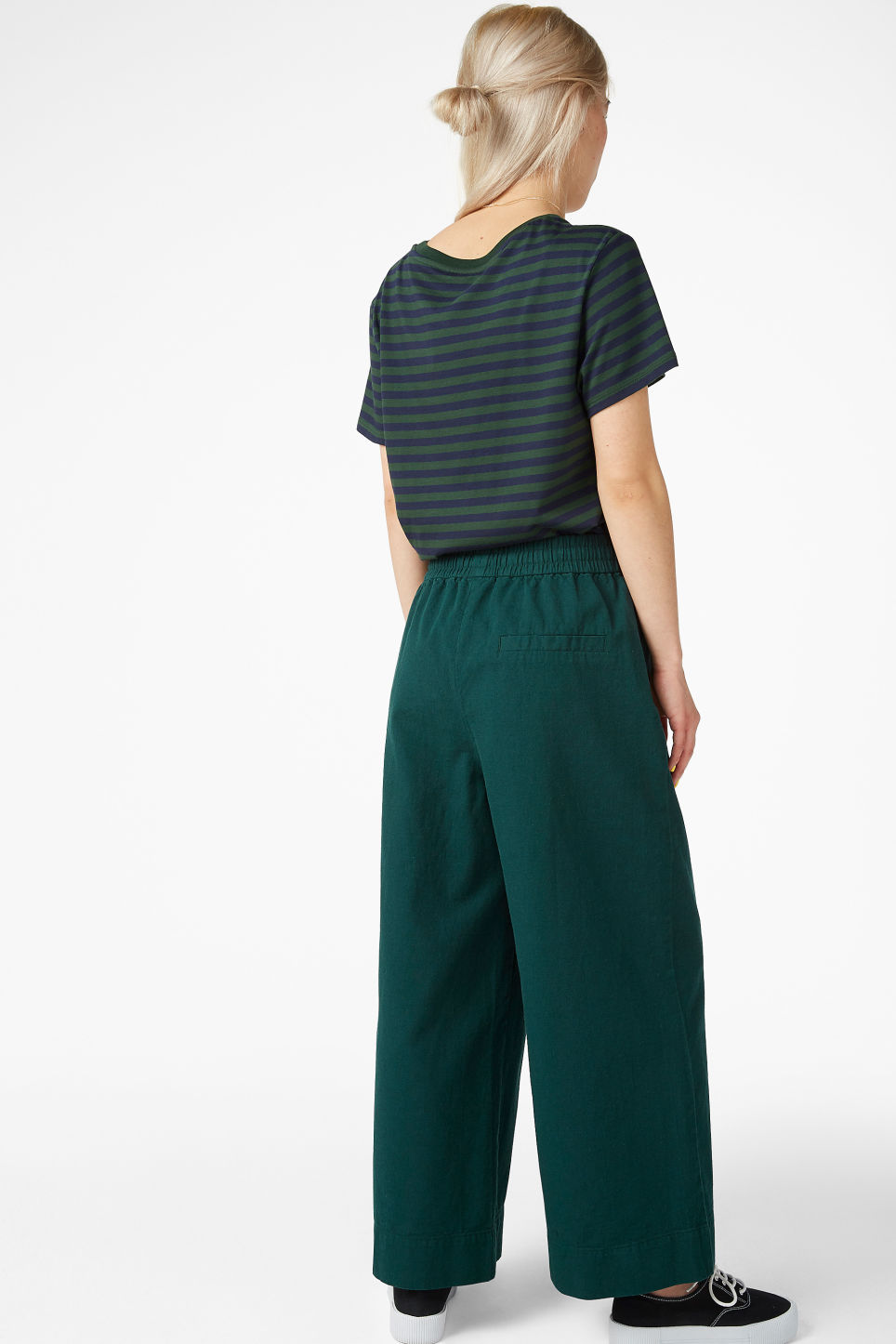 Model back image of Monki wide leg canvas trousers in green