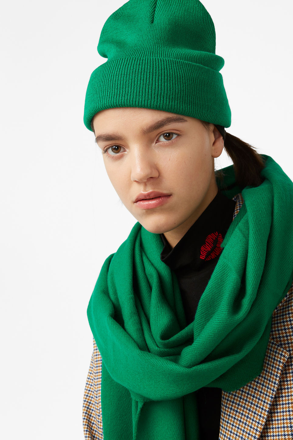 Model front image of Monki classic beanie in green
