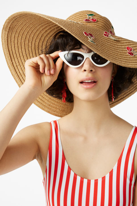 Cherry straw hat