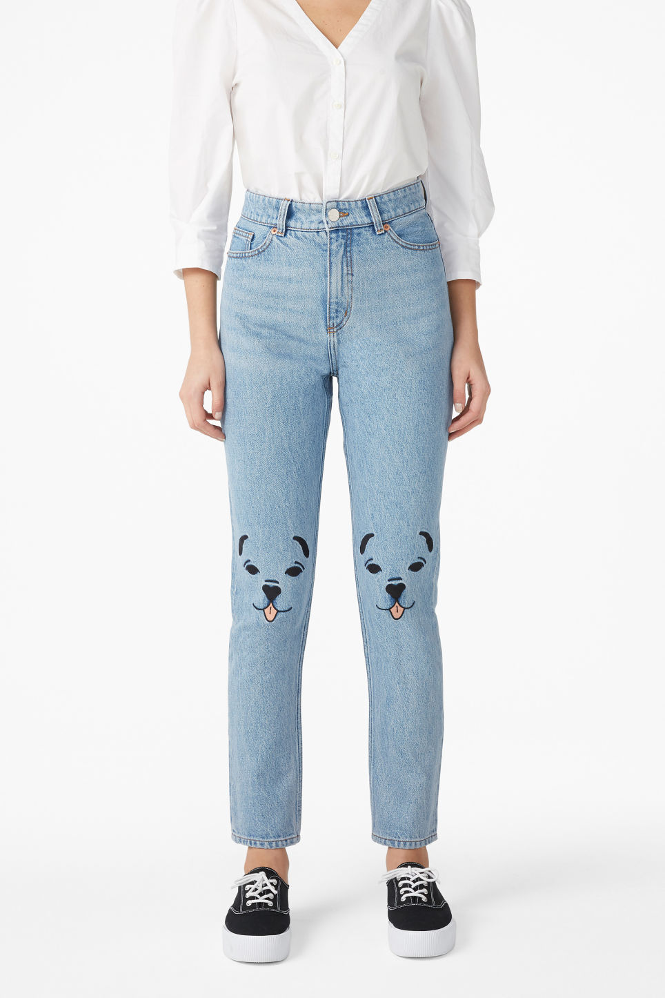 Model front image of Monki kimomo lap dog jeans in blue