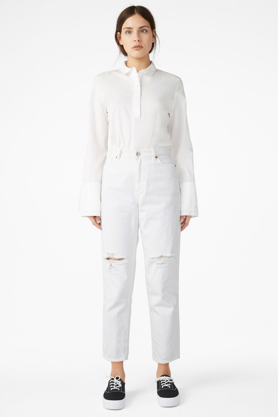 Model front image of Monki taiki distressed finish in white