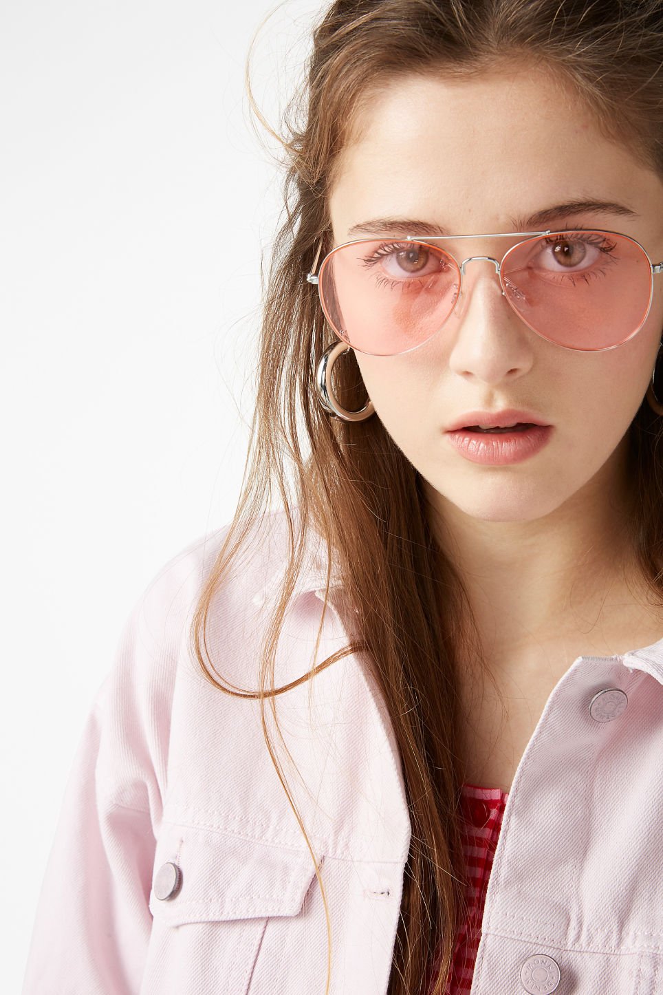 Model front image of Monki pilot sunglasses in silver