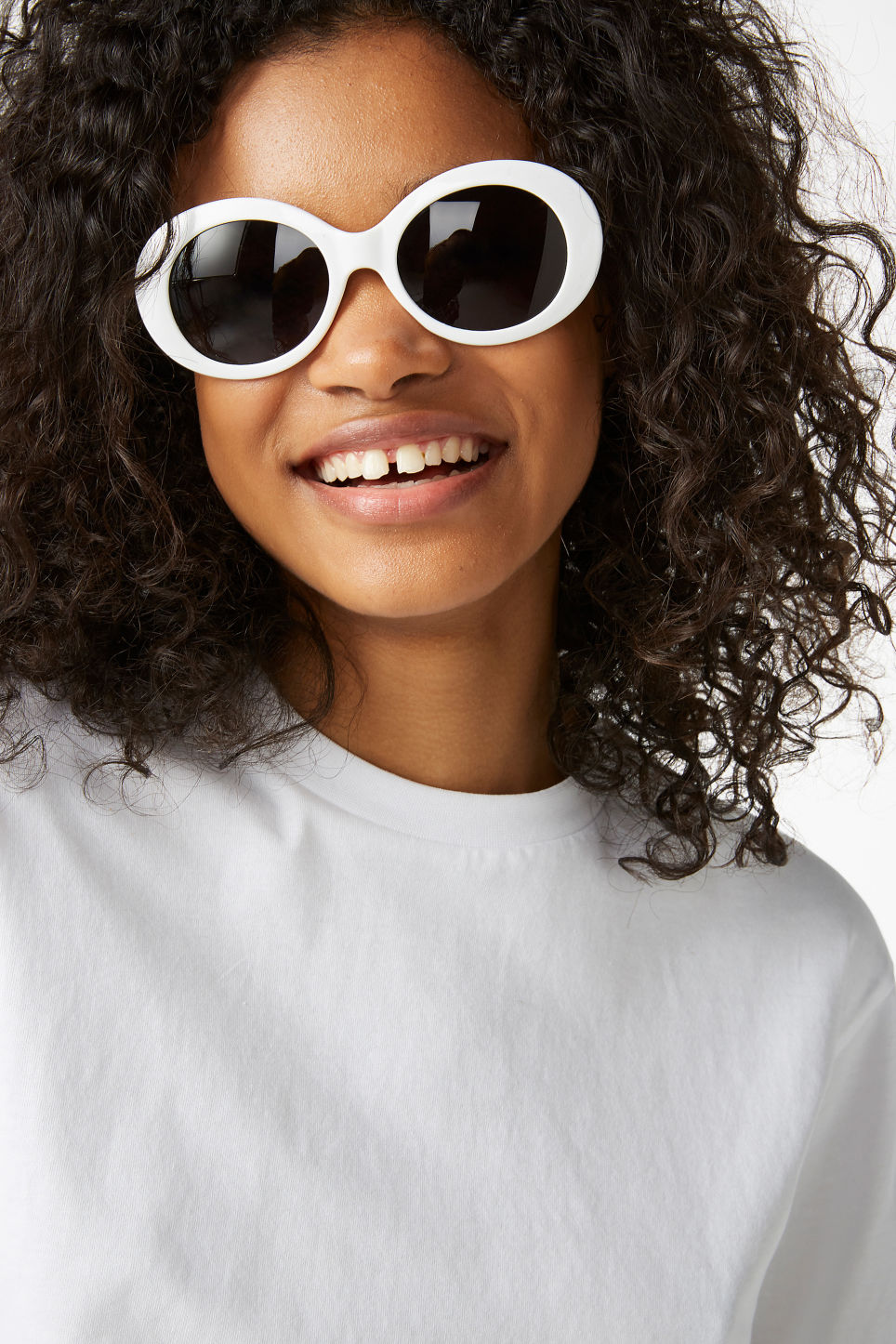 Model front image of Monki oval lense sunglasses in white