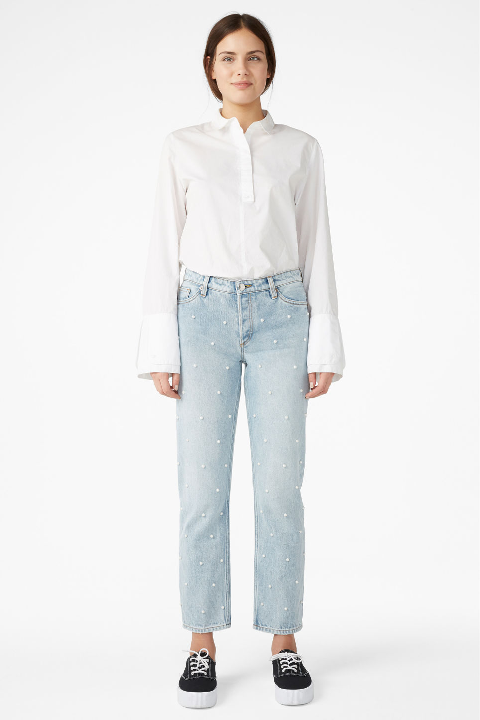 Model front image of Monki mokonoki pearl jeans in blue