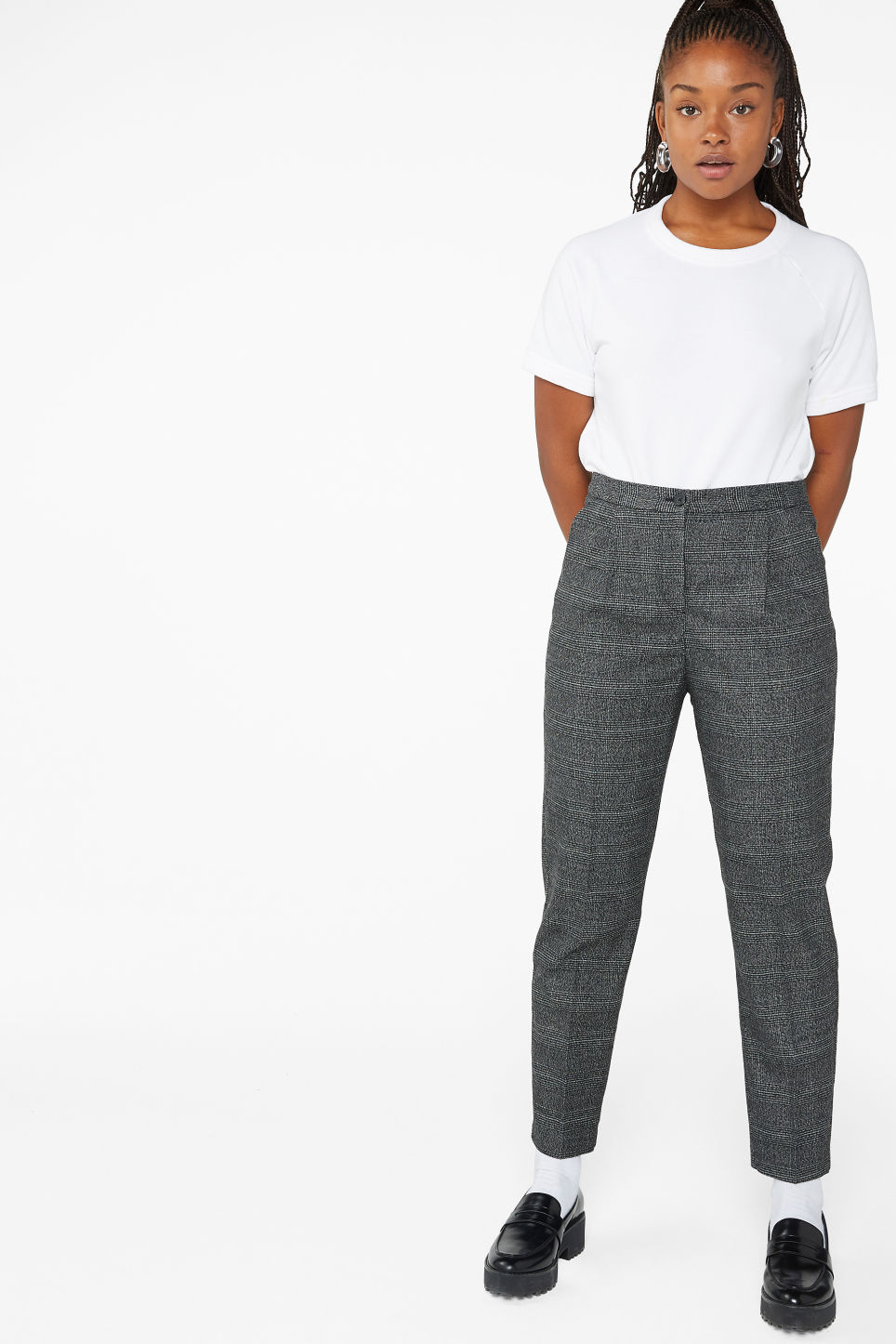 Model front image of Monki dressy tapered trousers in grey