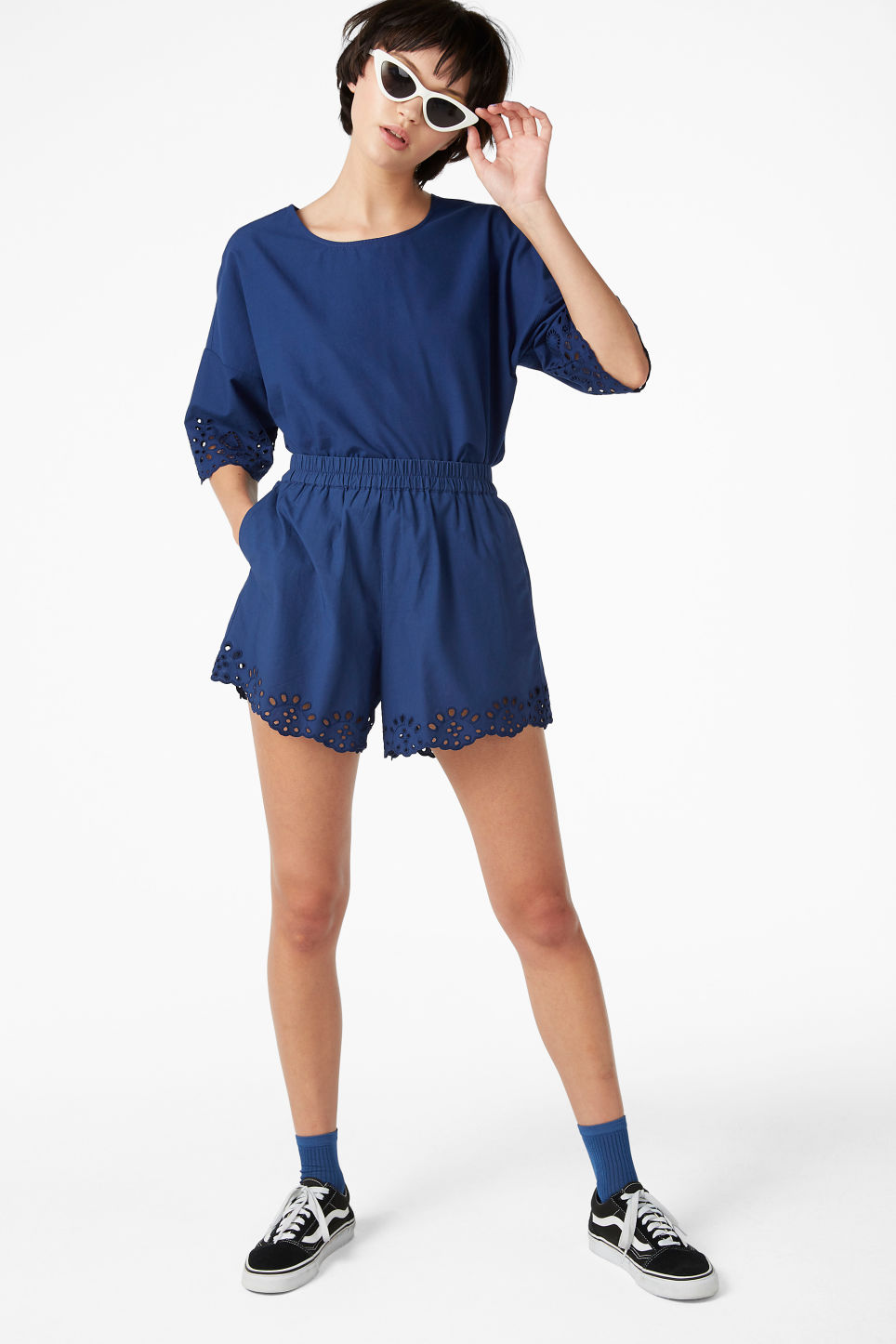 Model front image of Monki flowy shorts in blue