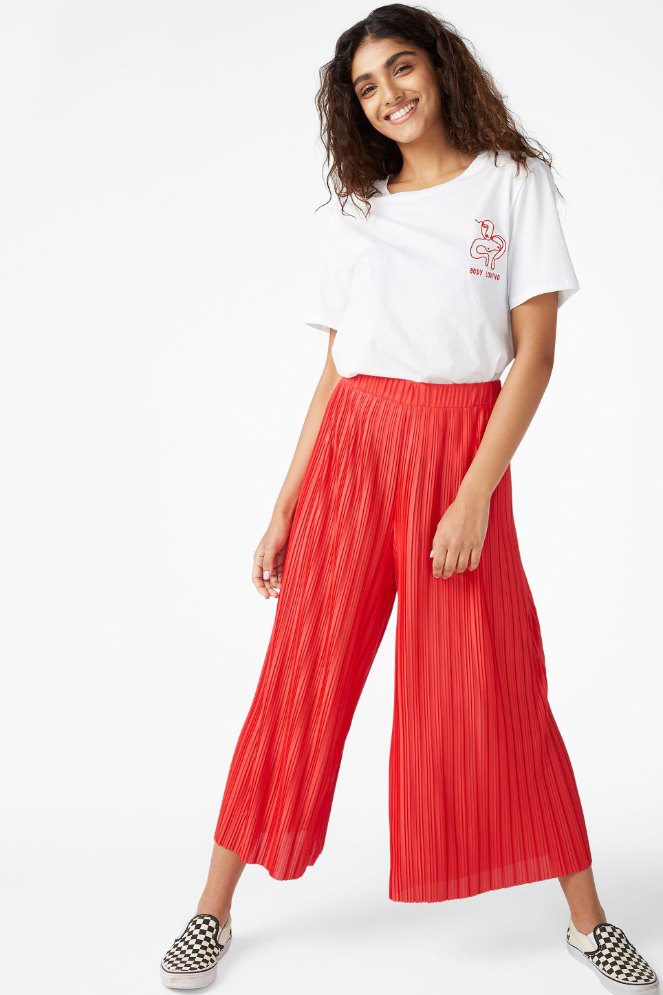 Model front image of Monki flowy trousers in red