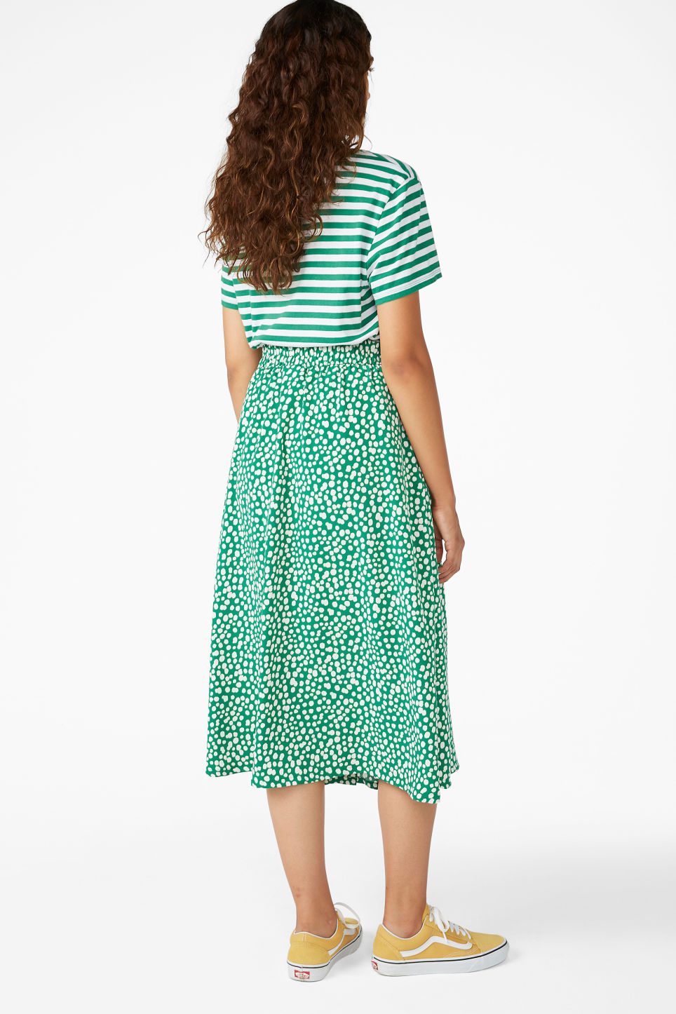 Model back image of Monki midi skirt in green