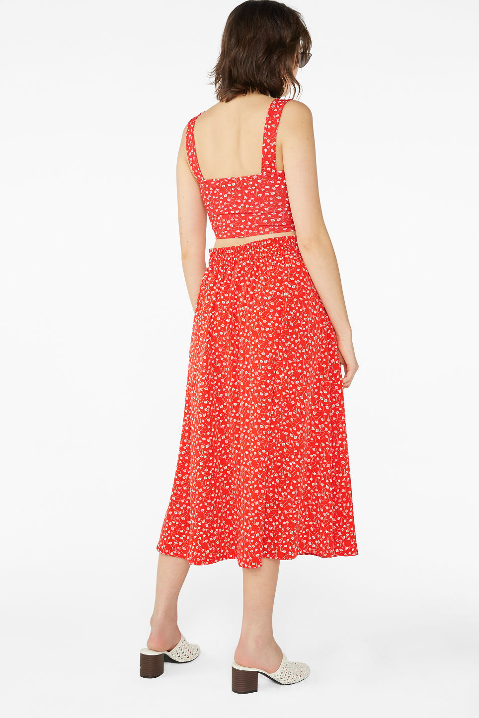 Model back image of Monki pleated midi skirt in red