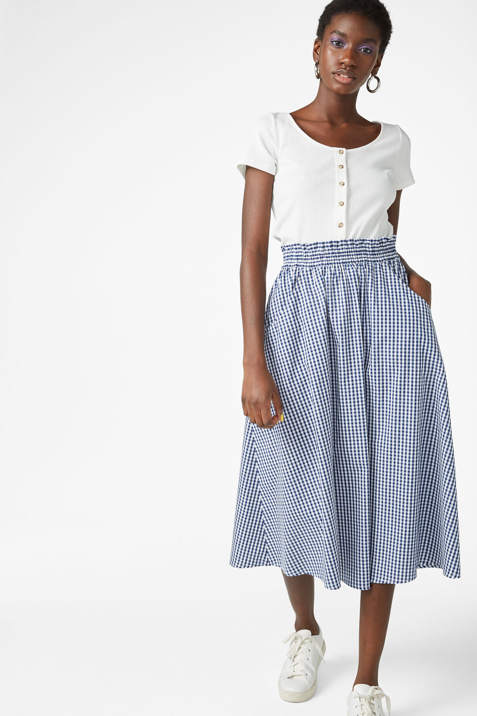 Model front image of Monki midi skirt in blue