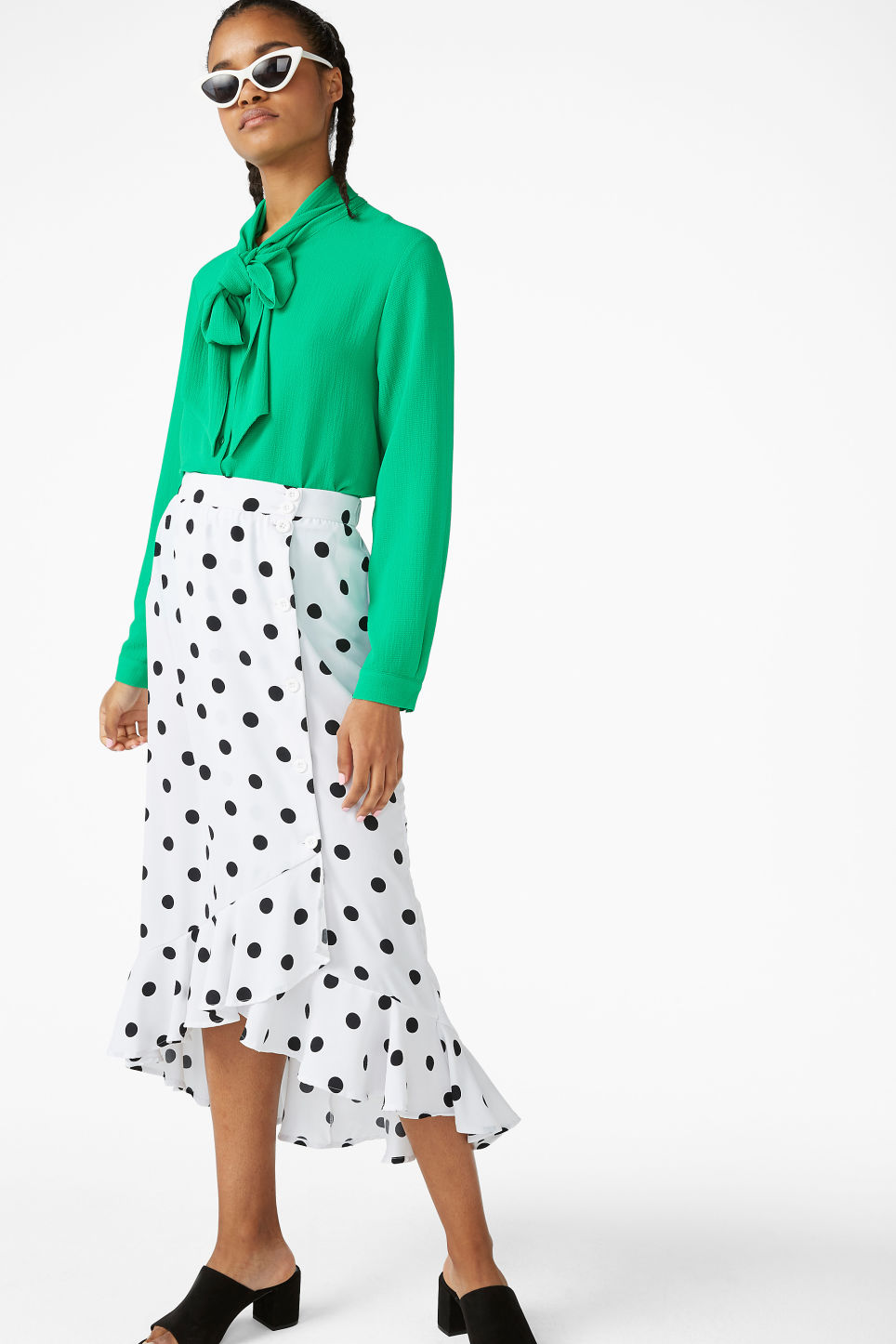 Model front image of Monki ruffle hem skirt  in white