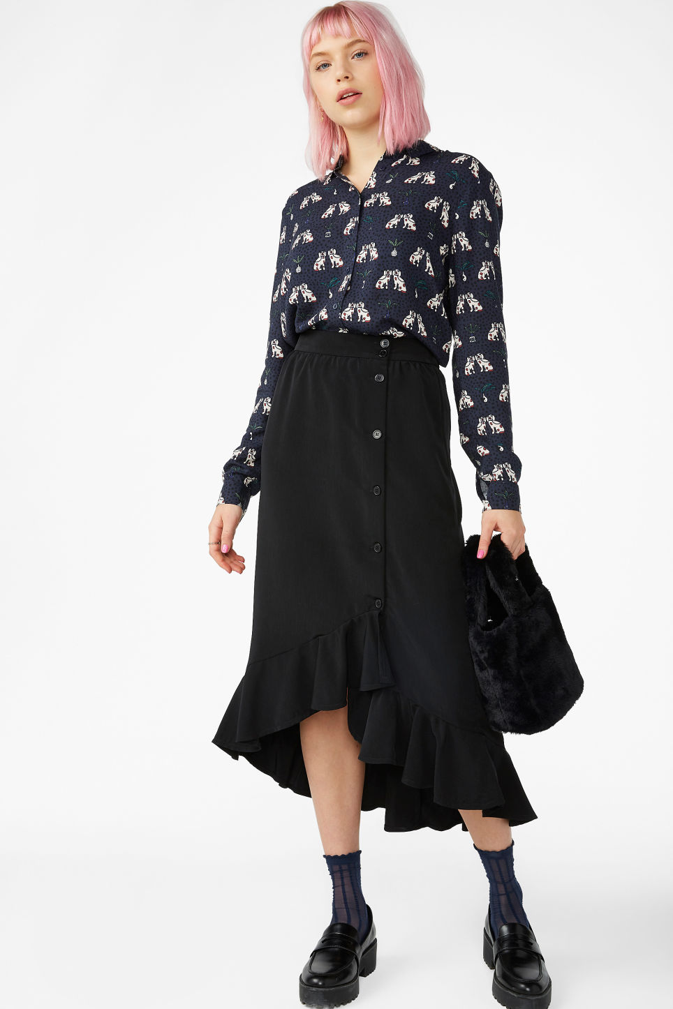 Model front image of Monki ruffle hem skirt  in black
