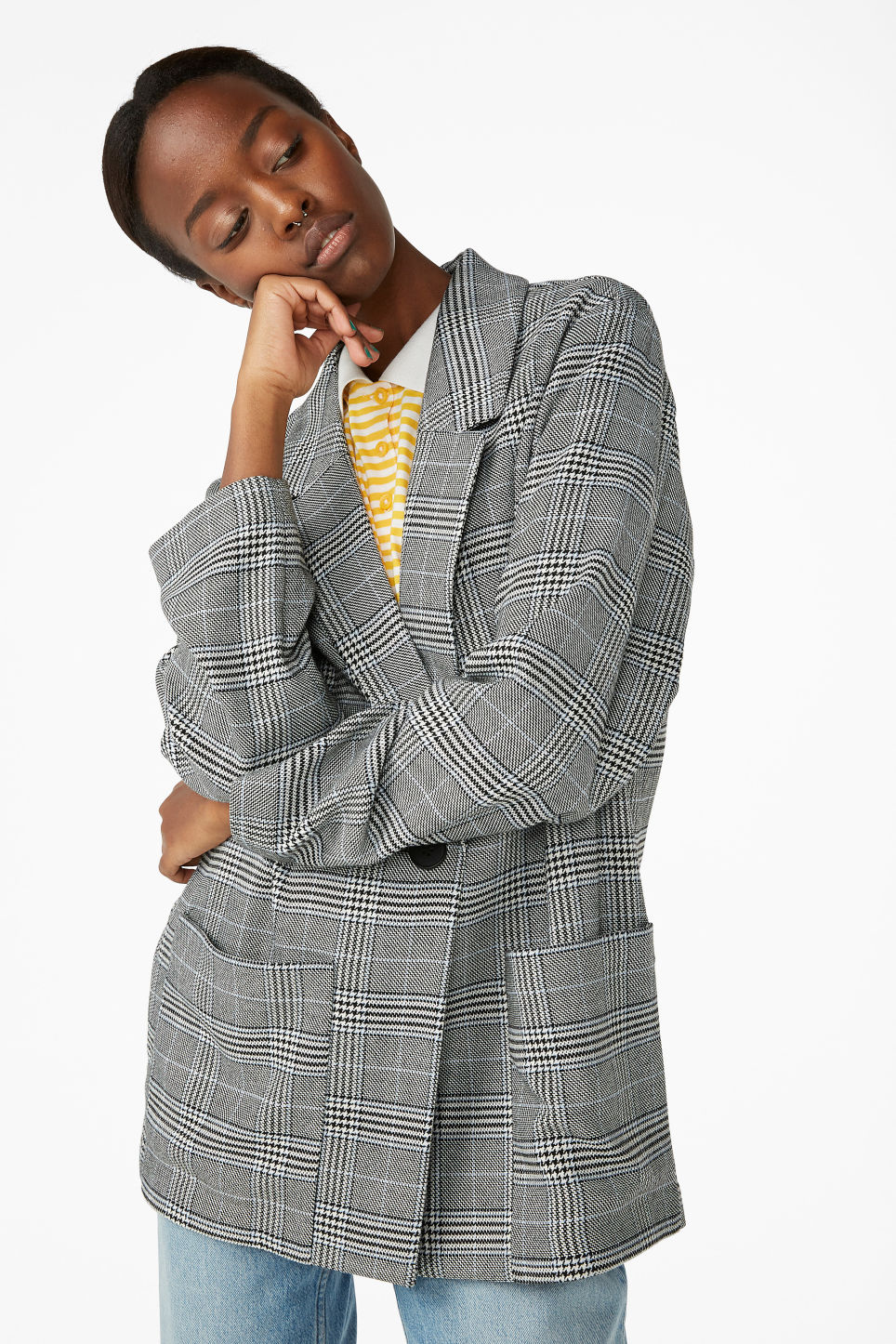 Model front image of Monki long blazer  in white