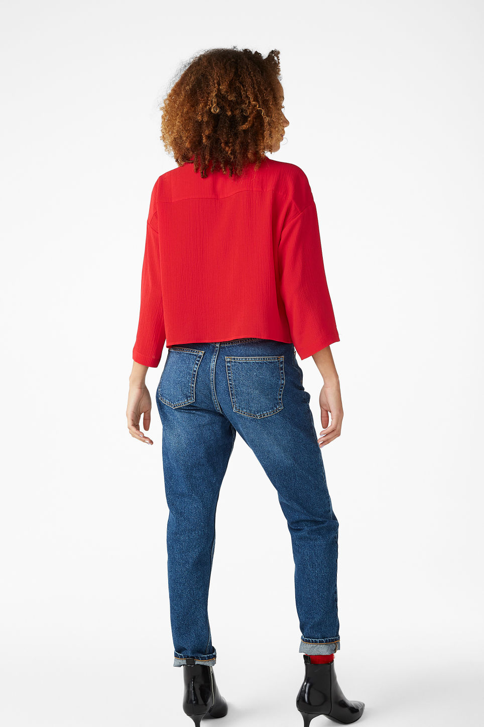 Model back image of Monki flowy blouse in red