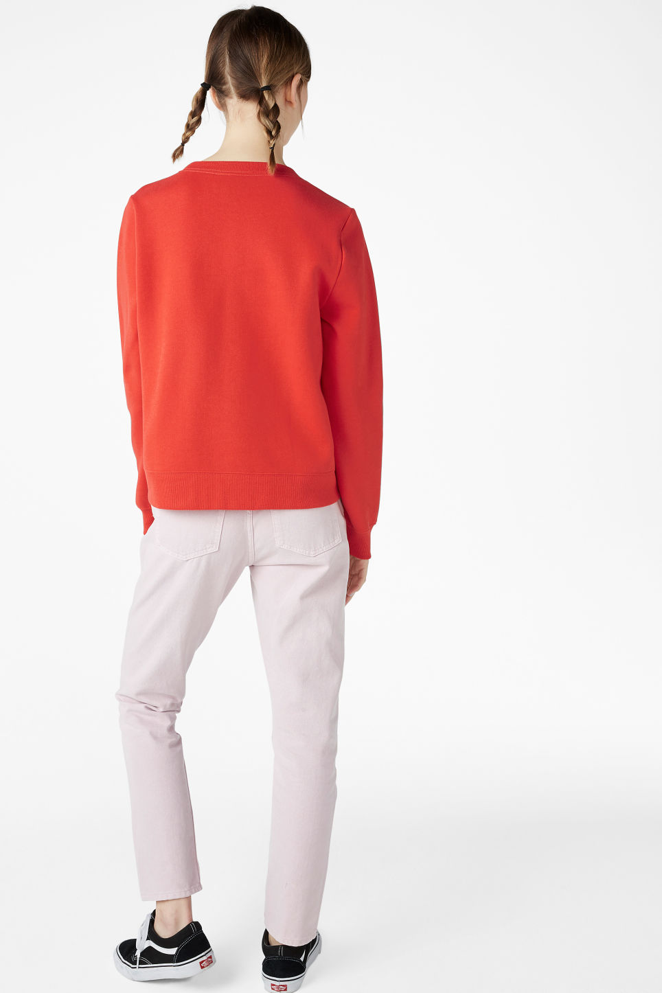 Model back image of Monki long-sleeved sweater in red