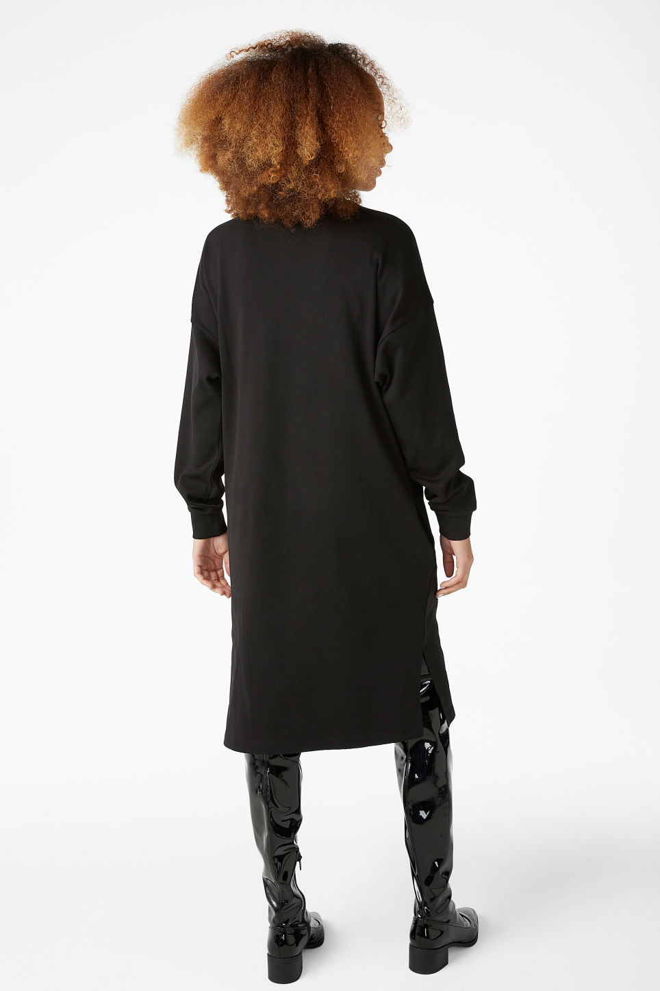 Model back image of Monki oversize sweater dress in black