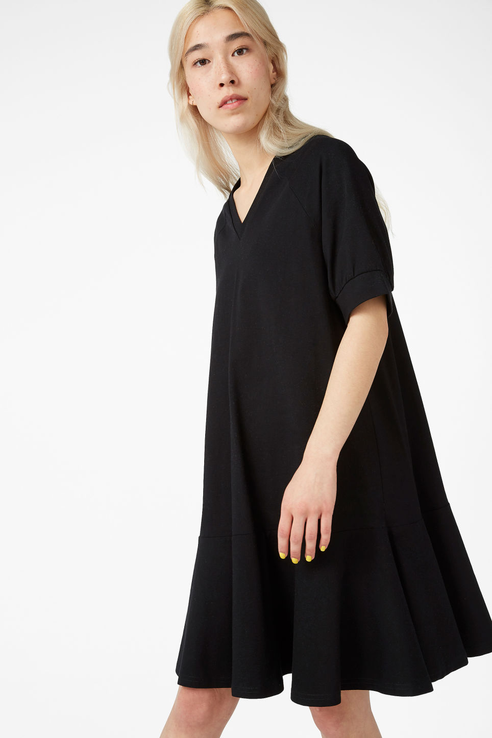 Model front image of Monki oversized raglan dress in black