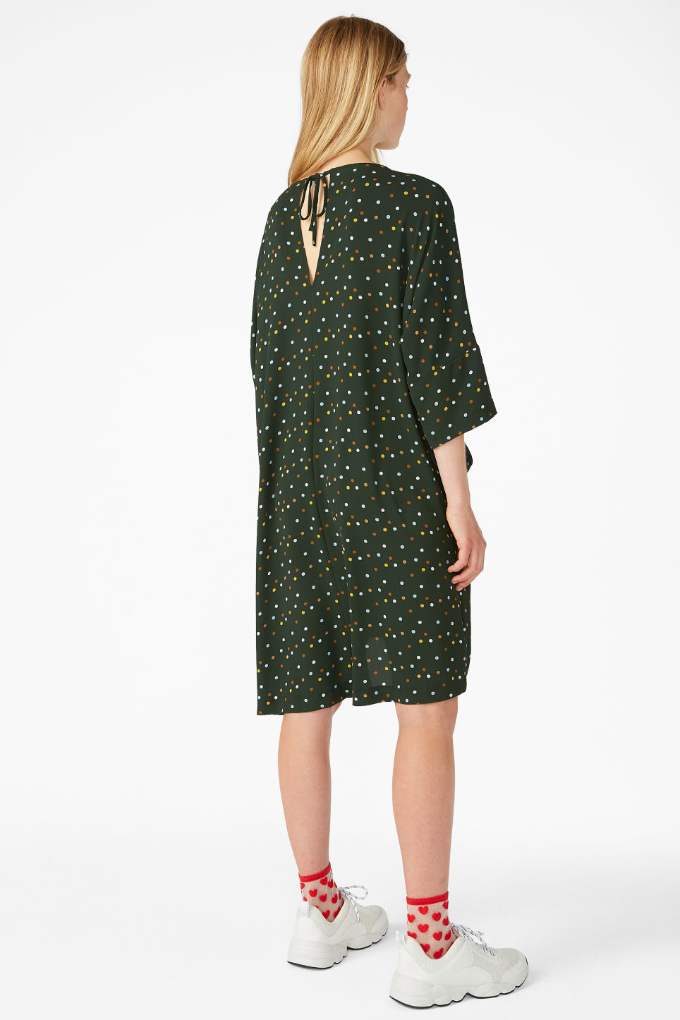 Model back image of Monki flowy dress in green