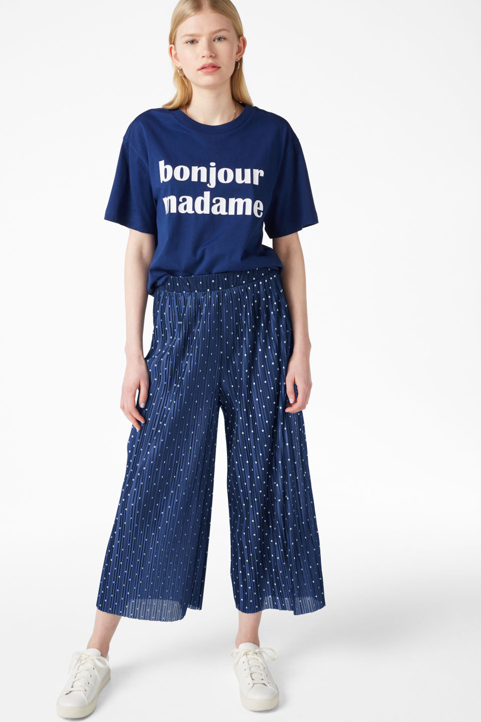 Model front image of Monki oversized tee in blue