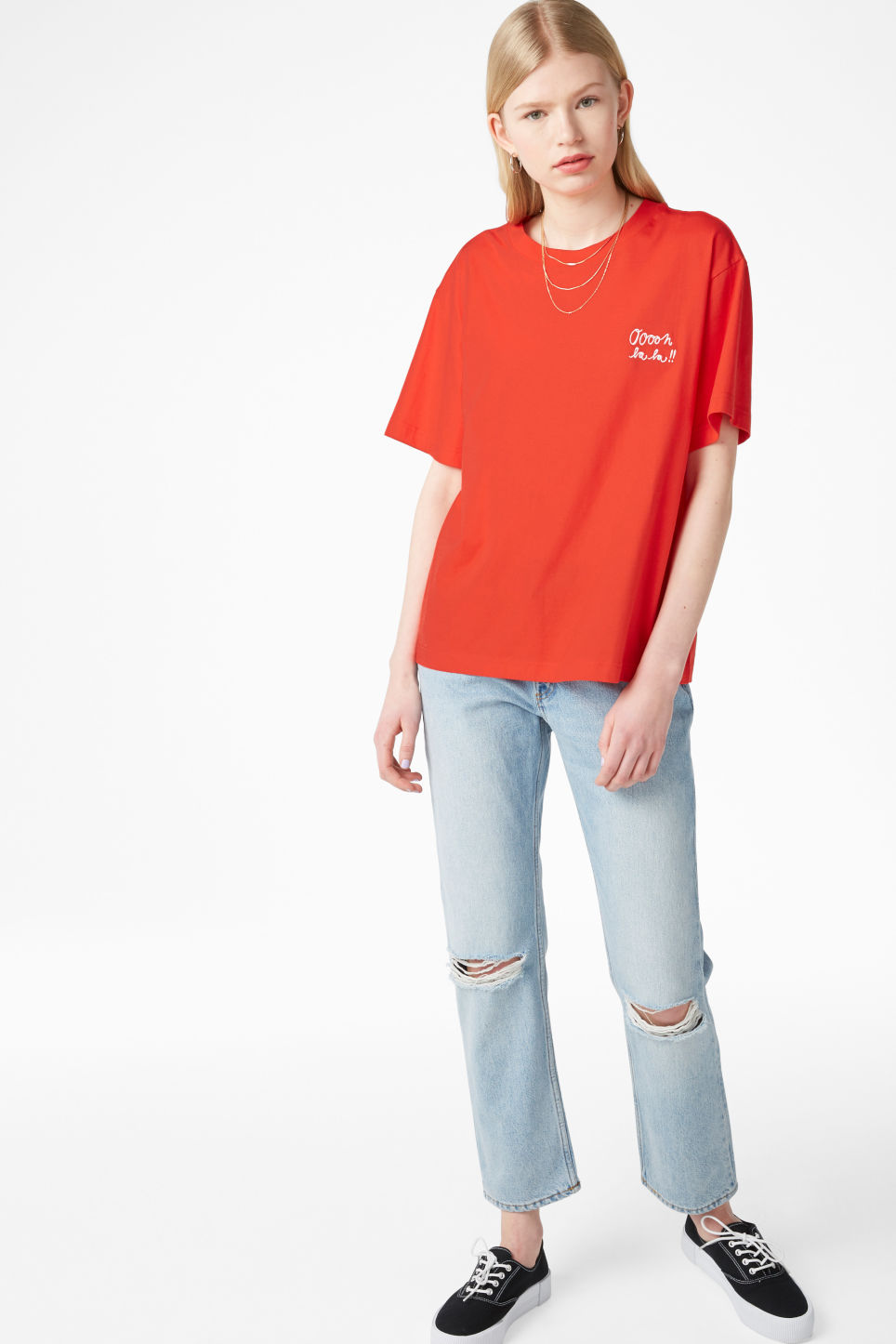 Model front image of Monki oversized tee in red
