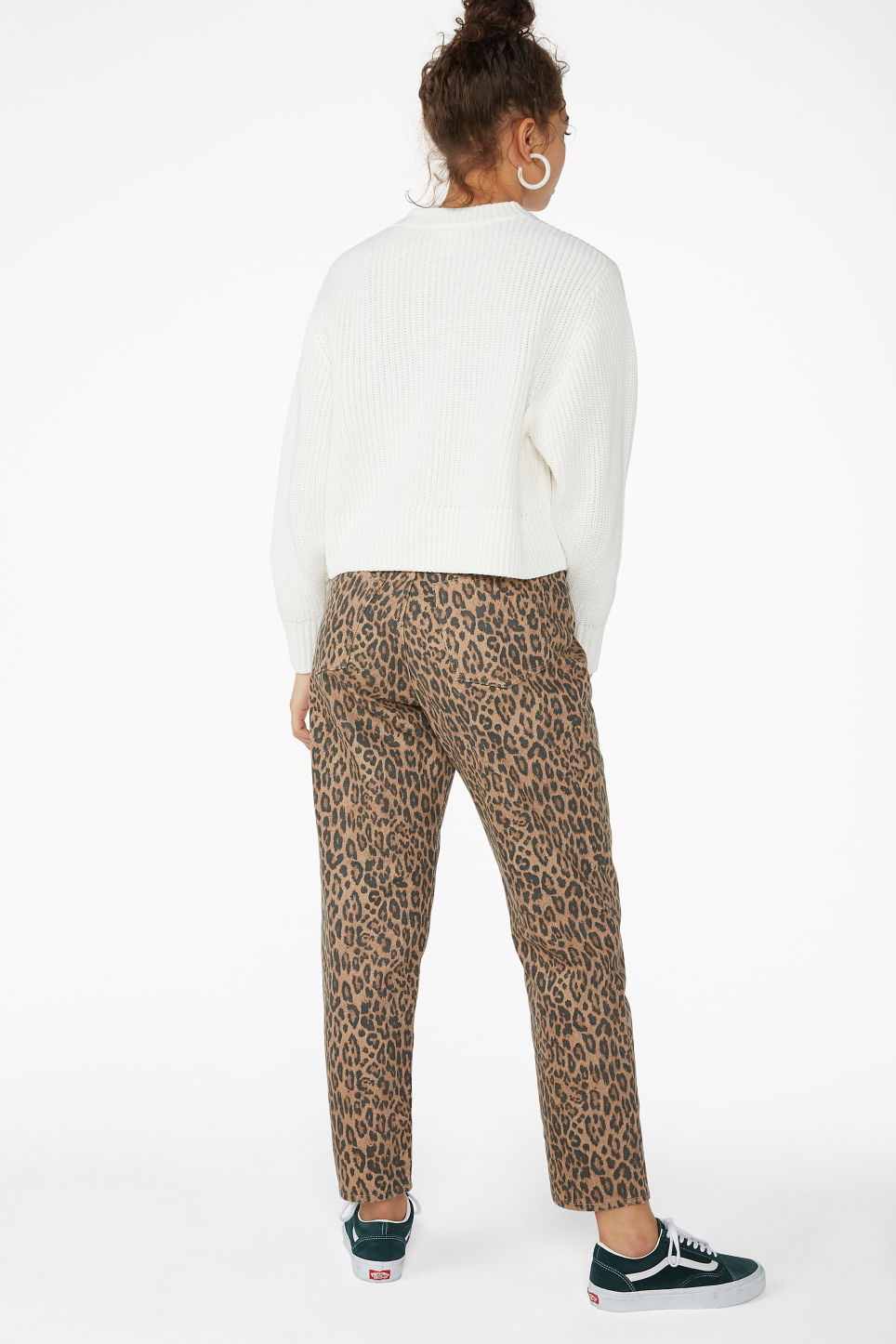 Model back image of Monki puffed sleeve sweater in white