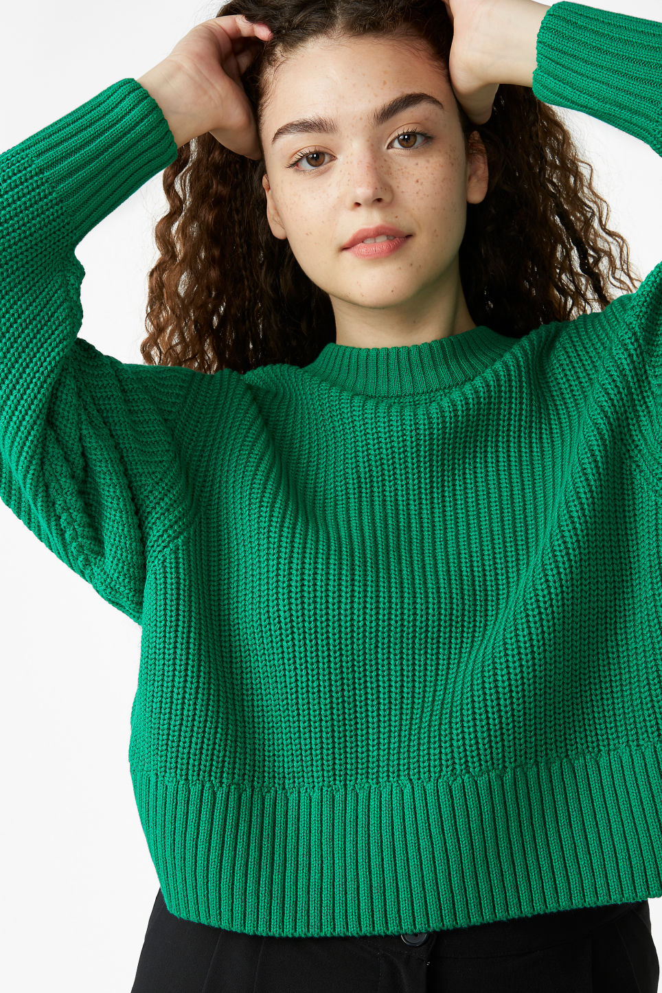 Model front image of Monki puffed sleeve sweater in green