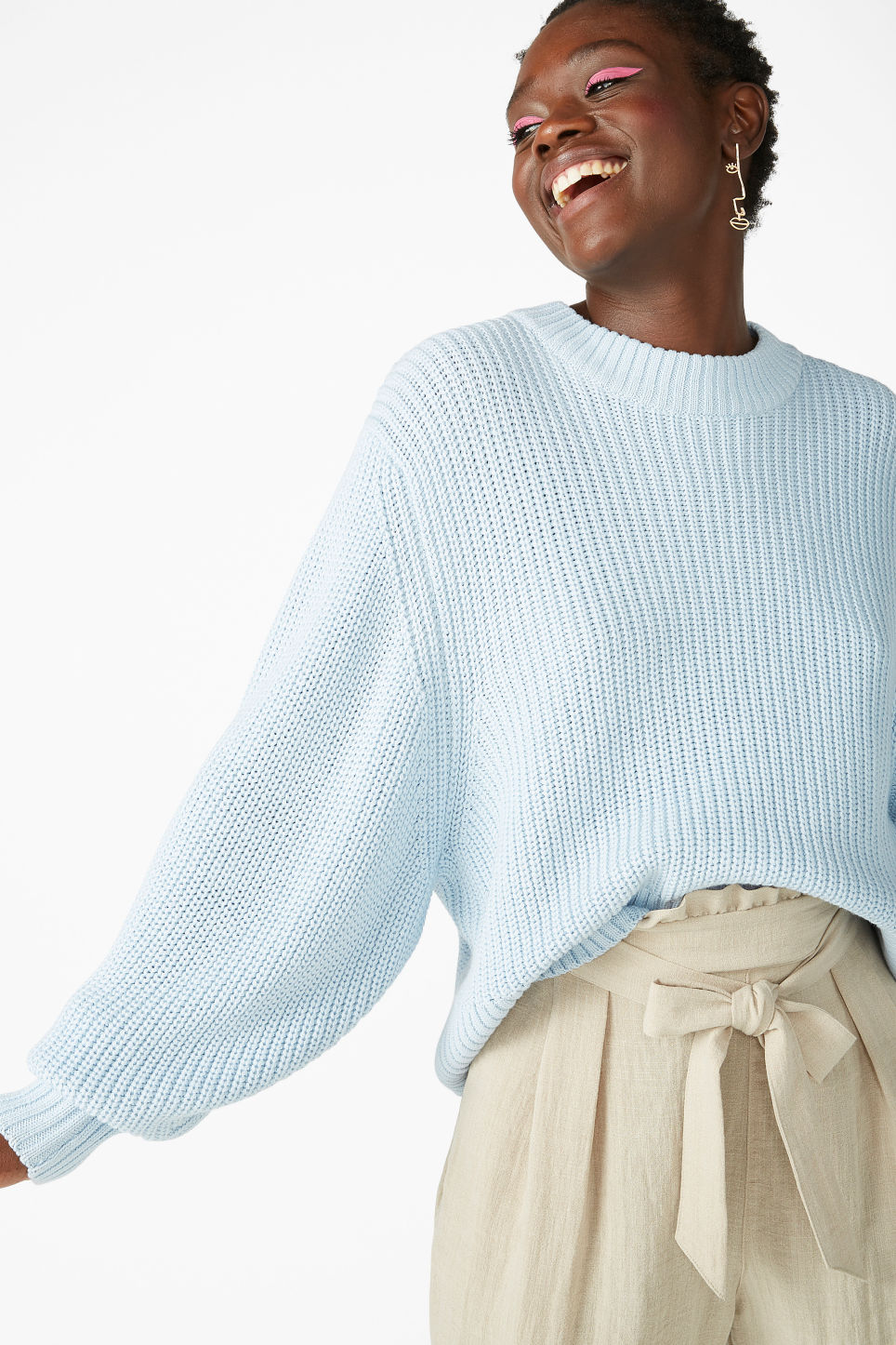 Model front image of Monki puffed sleeve sweater in blue