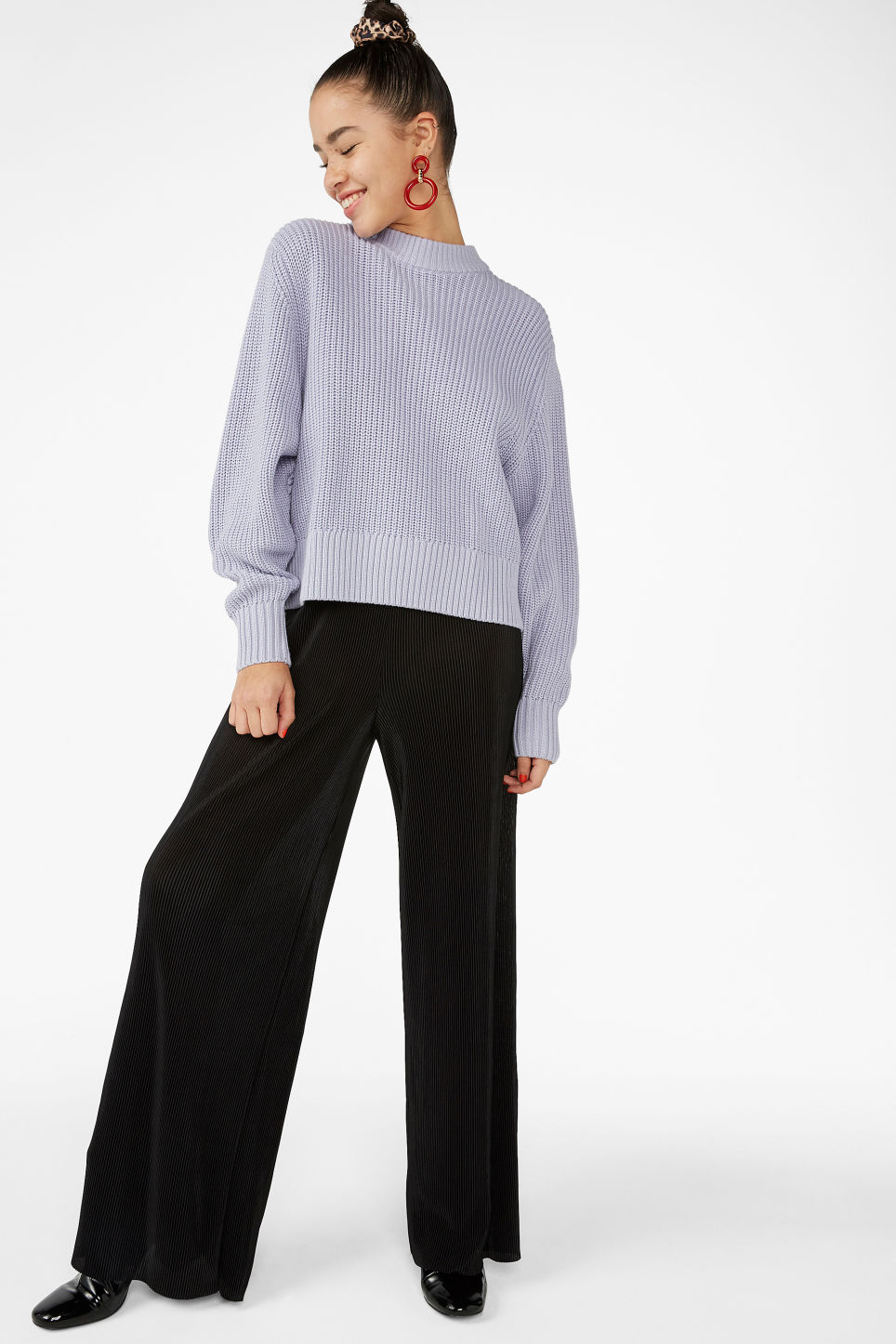 Model front image of Monki puffed sleeve sweater in purple