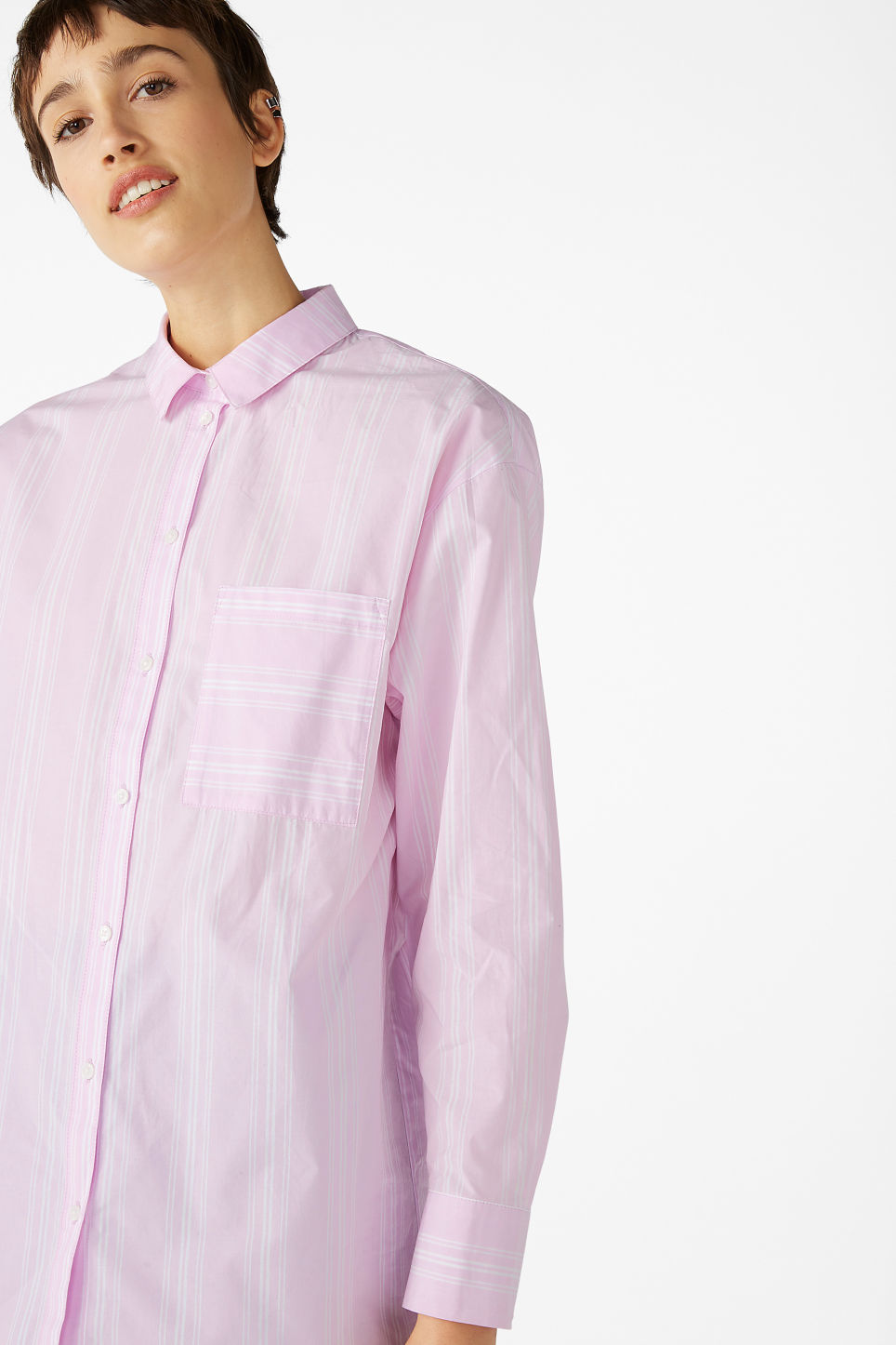 Model front image of Monki oversized classic shirt in pink